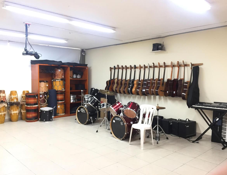 instrumentos-musicales-salon-musica